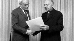 Javier Pérez de Cuellar, Joseph Wresinski: en nombre de la persona humana