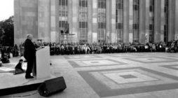 Paris, 17 octobre 1987, Inauguration de la Dalle en l'honneur des victimes de la misère