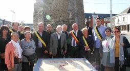 De gedenksteen ter ere van slachtoffers van honger, onwetendheid en geweld: zeven replica's in België